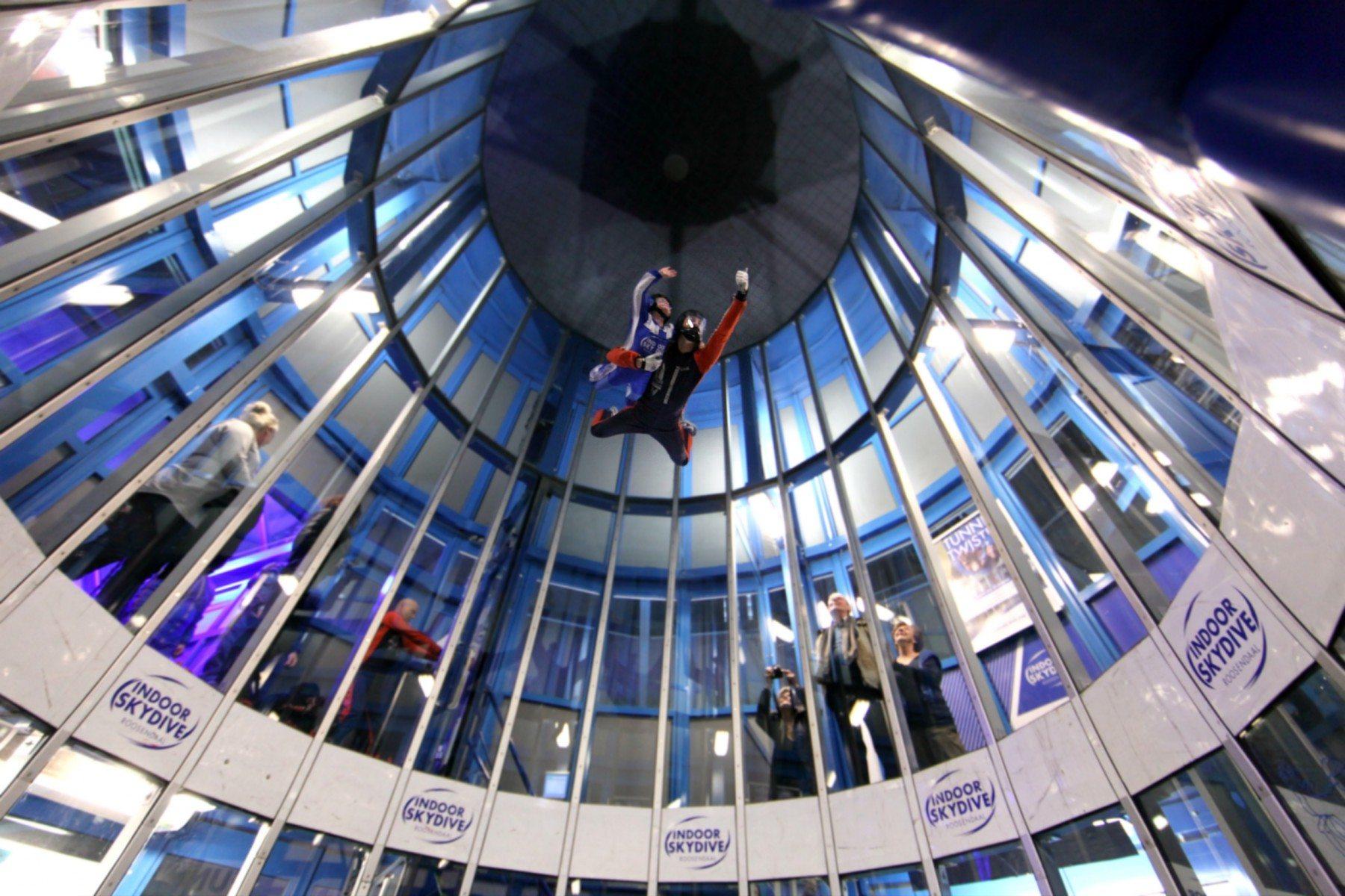 Indoor skydive - Roosendaal | Cadeautjes.nl