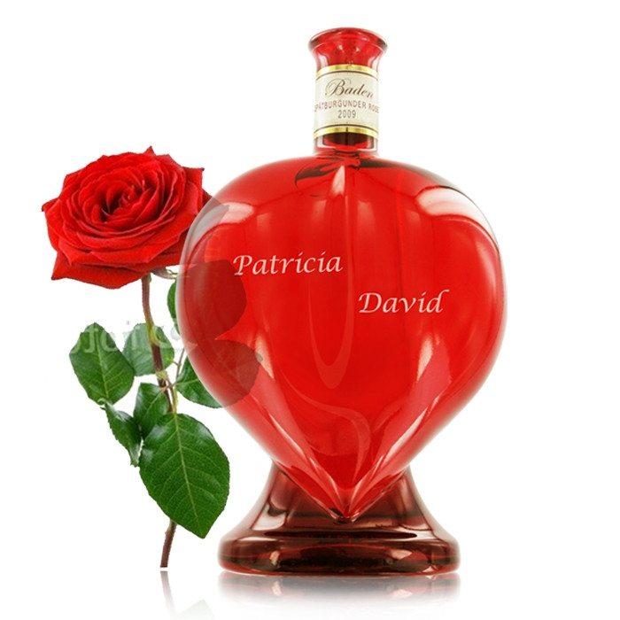 Wein in der Herzflasche