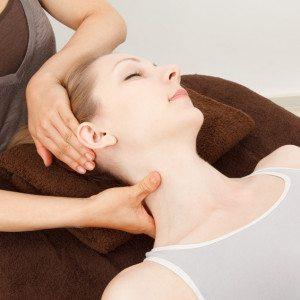 Antistress nek- en schoudermassage massage tafel - Nieuwstadt