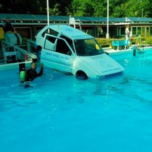 Auto onderwater experience - Dwingeloo