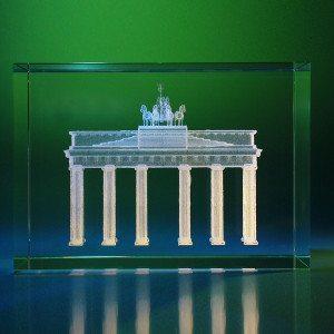 30 Zeichen- Brandenburger Tor im Glasblock mit individualisierbarem Textfeld