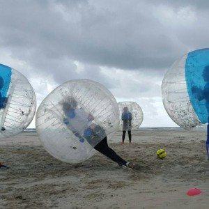 Bubbel voetbal op locatie met begeleiding - Flevoland