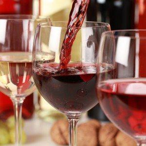 Een wijnproeverij thuis - Overijssel