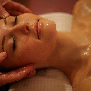 Gezichtsbehandeling Cenzaa Botuline Look Therapy 105 minuten - Beverwijk