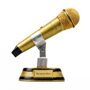 Gouden microfoontrofee met gravure