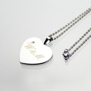 Halsketting met zilveren hartje en siersteen