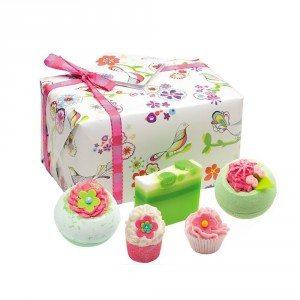 Mooie cadeaudoos vol voorjaars badproducten