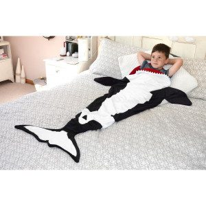 Snug-Rug Killer Whale Tail Blanket_6