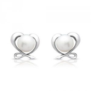 Zilveren oorstekers met zoetwaterparel